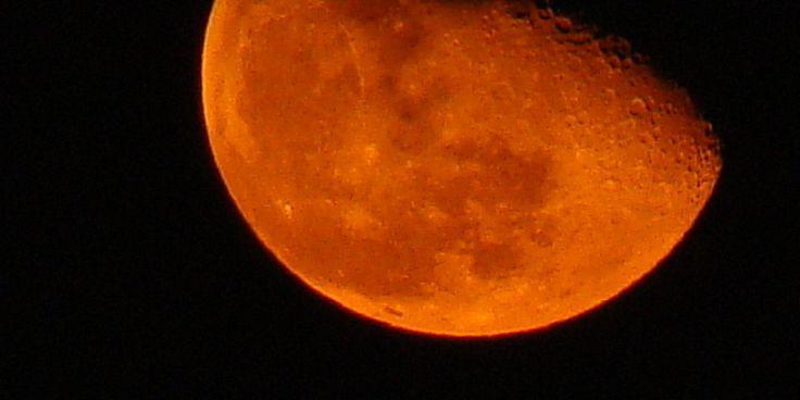 luna roja 2008